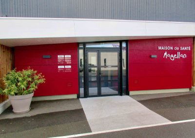 Porte entrée Maison Santé nueil Les Aubiers